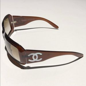 CHANEL Mother of Pearl brown women's sunglasses .